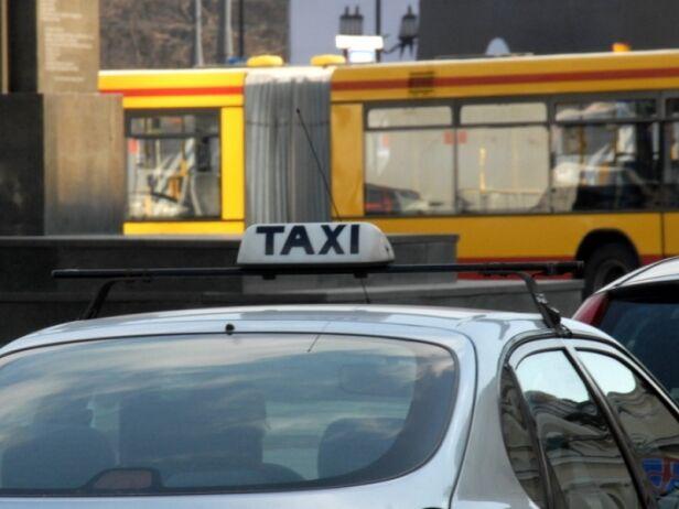Kontrole taksówkach UM