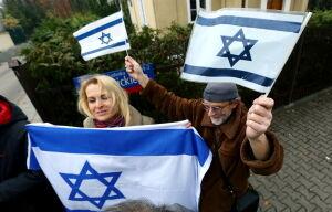 Dwa protesty przed ambasadą Izraela