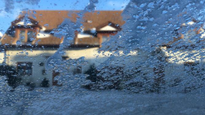 Prognoza pogody na dziś: mroźnie, <br />słonecznie, a miejscami popada