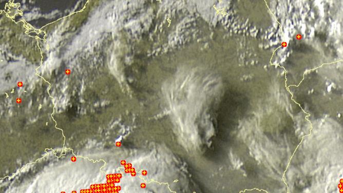 Słabe burze pojawiły się na północnym wschodzie kraju