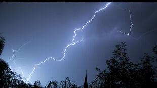 Sześć województw z ostrzeżeniami przed burzami z gradem