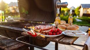 """""""Połączenie dwóch trucizn"""". Mięso z grilla plus alkohol, skutki mogą być fatalne"""